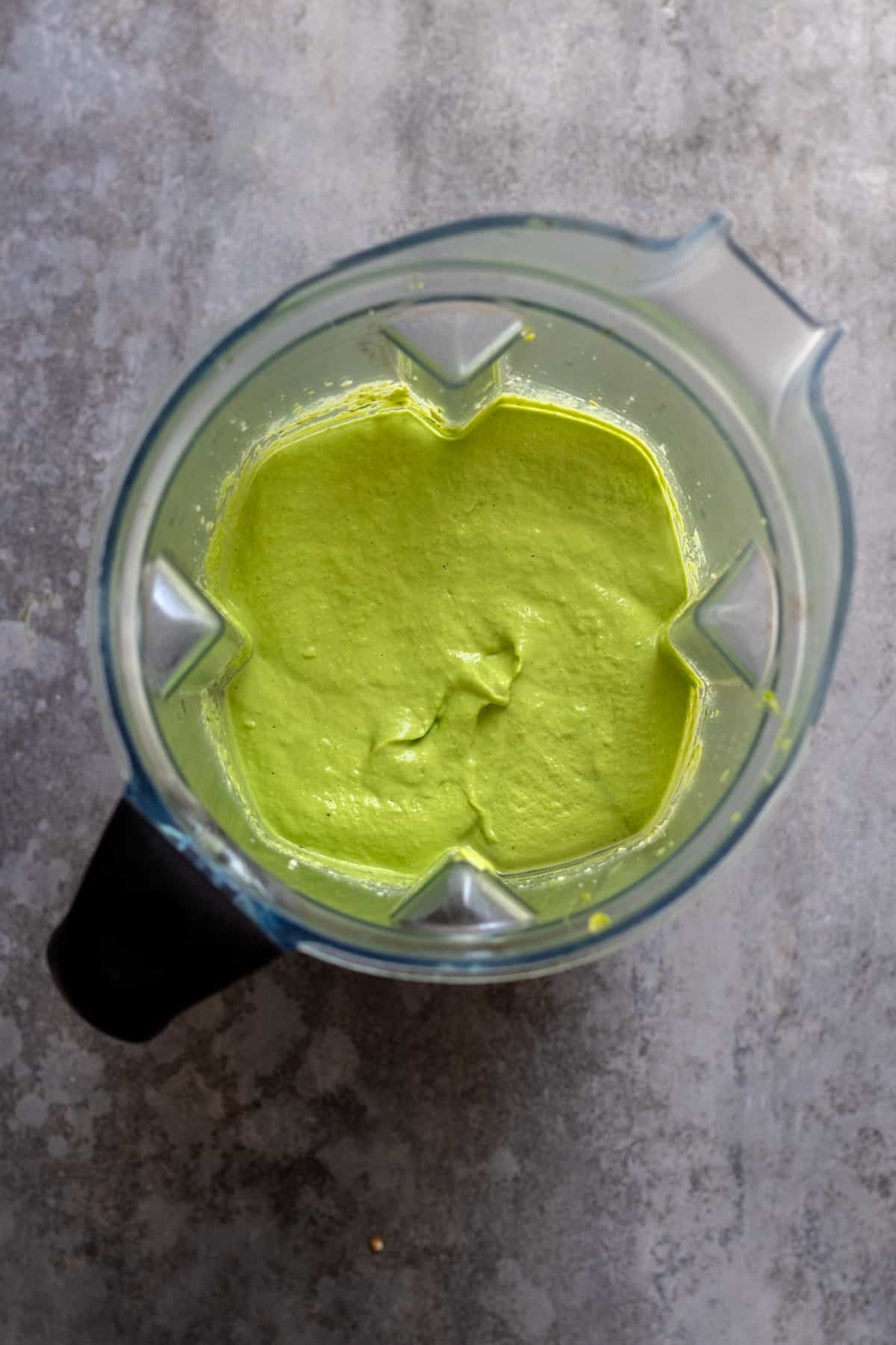 Green colored crema after blending until smooth.